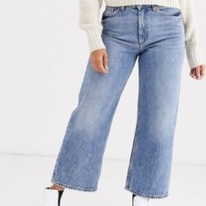 Monki Cropped Jean